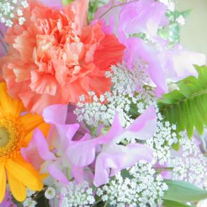 清明 花々が咲き乱れる季節。桜の下で美味しいお茶を飲みましょう!