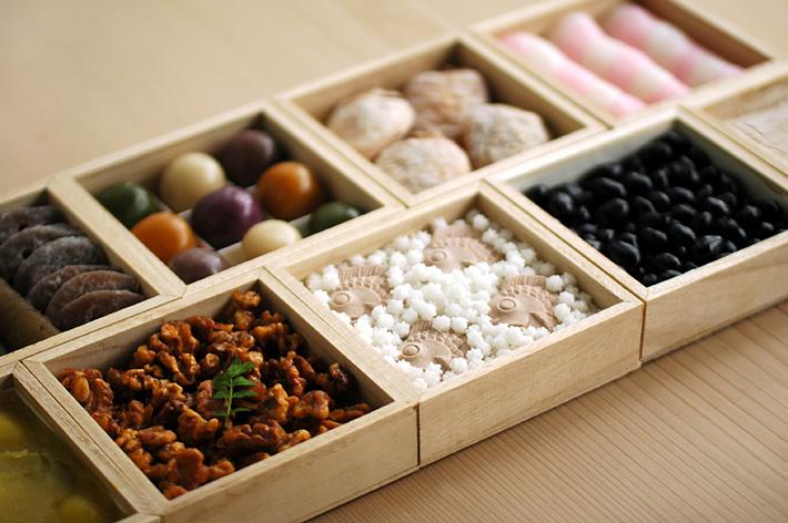 出典:HIGASHIYA. お菓子のおせち