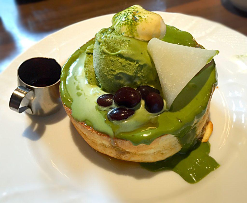 宇治抹茶のスフレパンケーキ