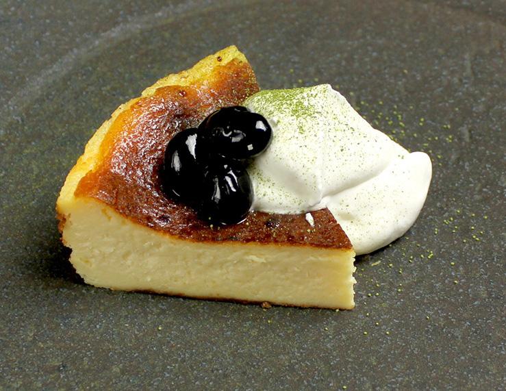 焦がし黒糖黒豆の バスクチーズケーキ¥650